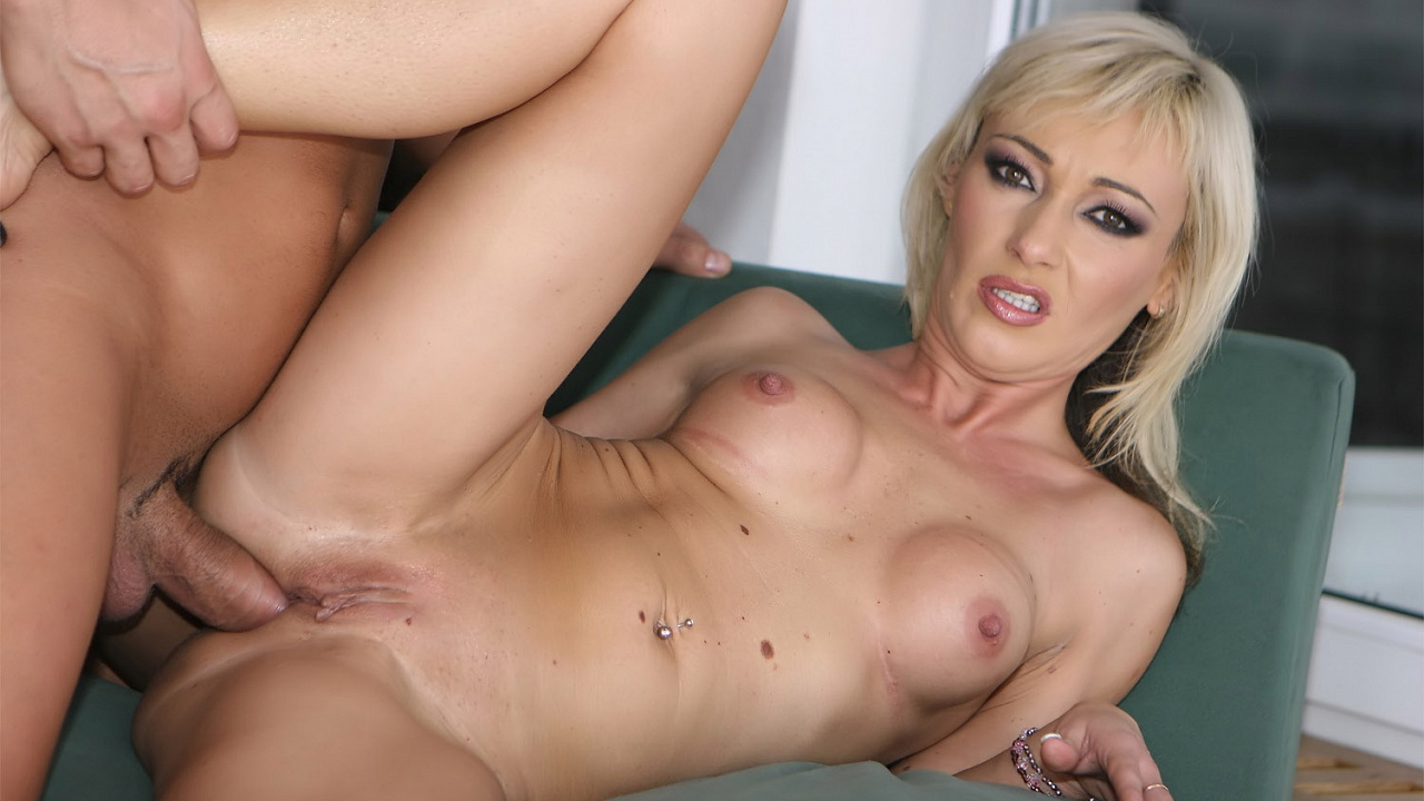 Download MilfThing - Betty