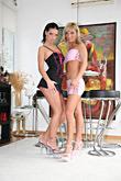 Anna & Sabina B pic #2