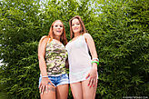 Kyra Hot & Yuliana pic #3