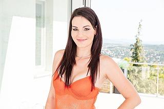 Elena Vega pic #1