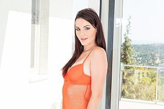 Elena Vega pic #4