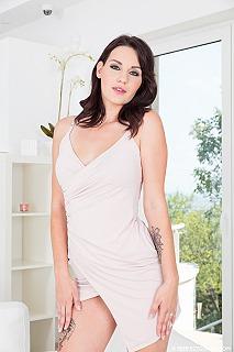 Elena Vega pic #2