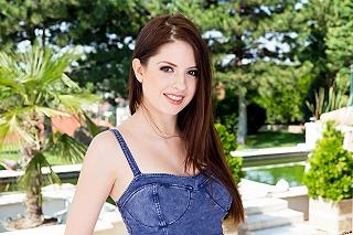 Rebecca Volpetti pic #1