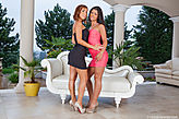 Tina Hot & Vivien Bell pic #1